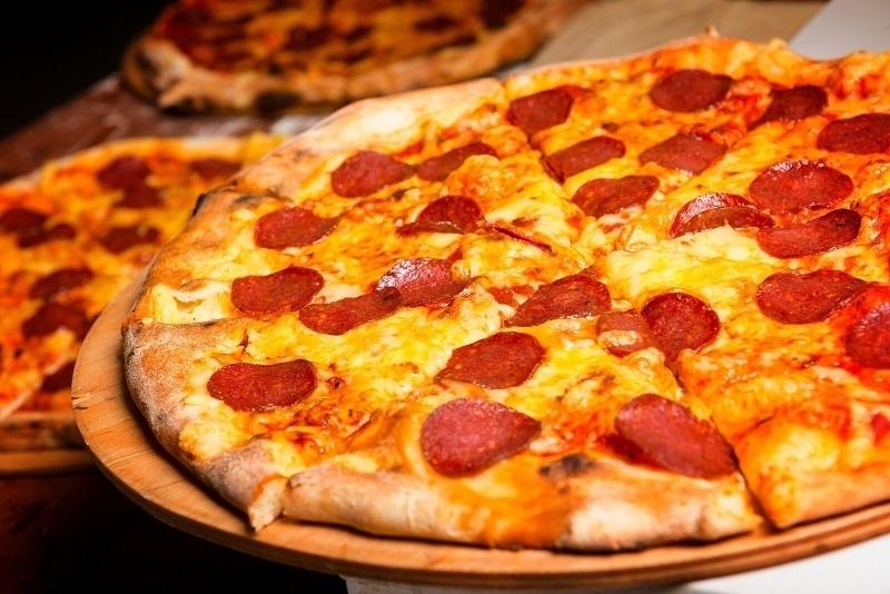 Pizza Hot Salami