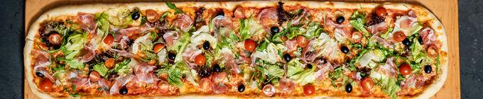 Familien-Pizza (60cm x 40cm)