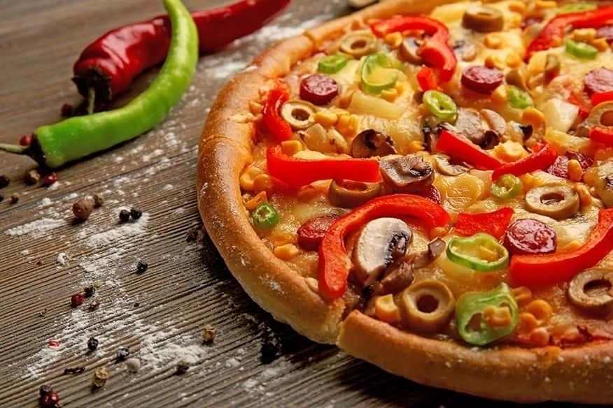 Ofenfrische Pizzen